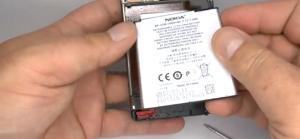 cambiar bateria en un lumia 920