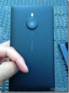 Lumia-1520-Back_thumb.jpg